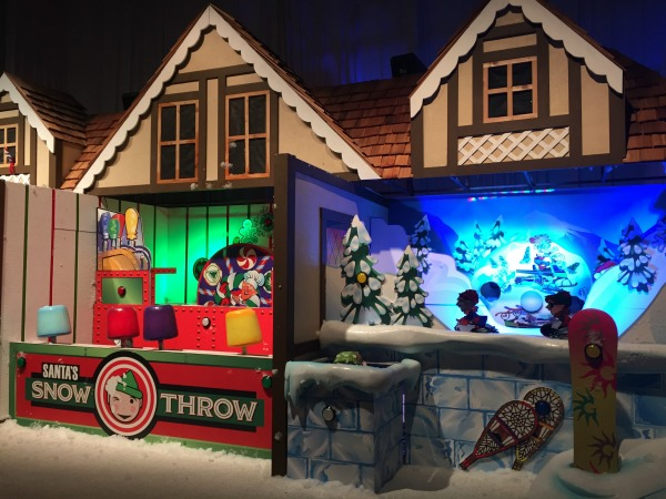 Alpine Village no Ice Gaylord Palms com Charlie Brown