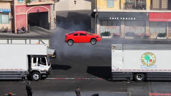012 - extreme-stunt-show-hero-car-jump-1-9