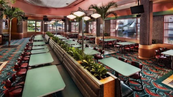 O restaurante é amplo, mas fica lotado!
