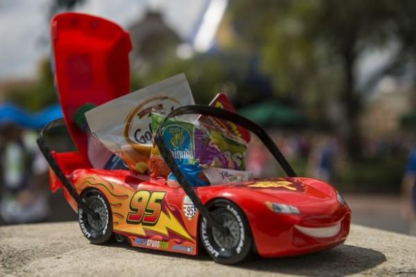 Opção infantil com souvenir dos Carros