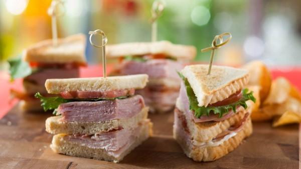 Sanduíche Pressed Turkey Club